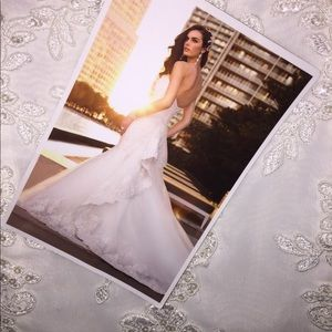 NWT 🏷Essence Lace Tulle Ivory Wedding Gown wTrain